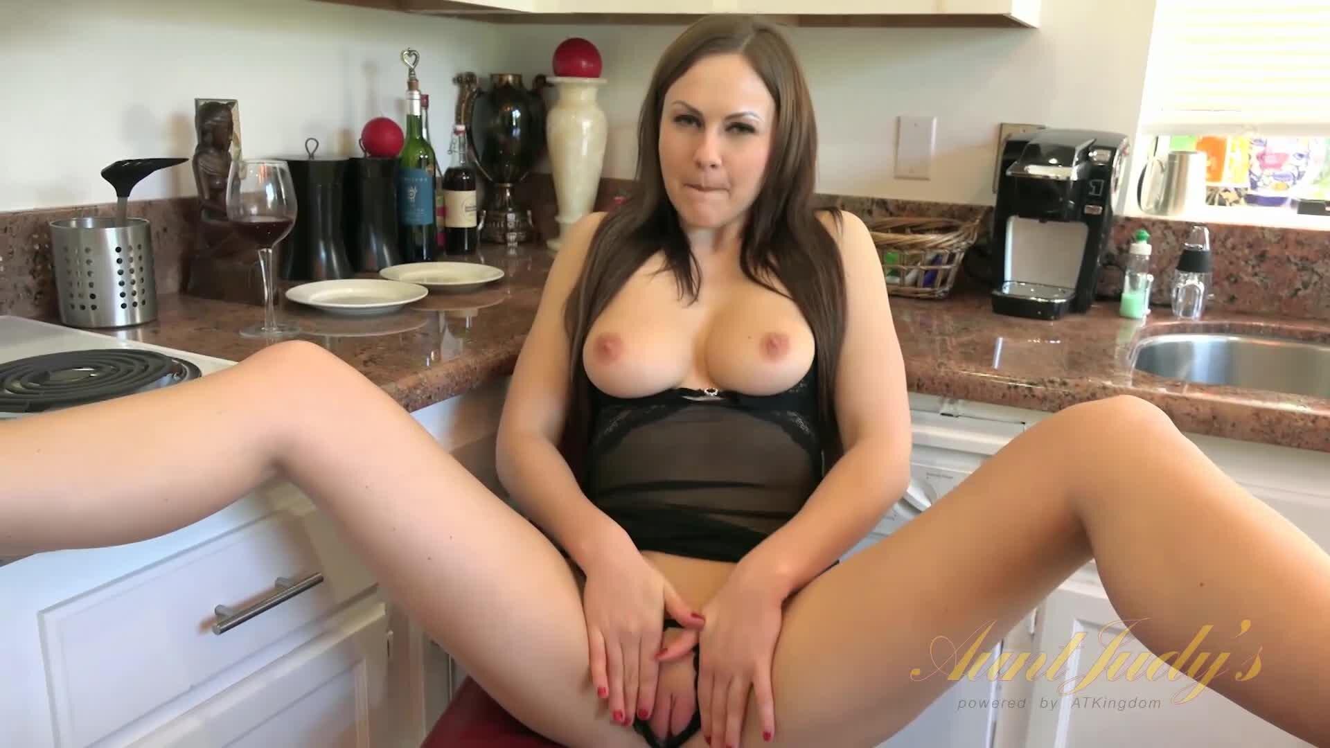 Nina Elle Solo Masturbation