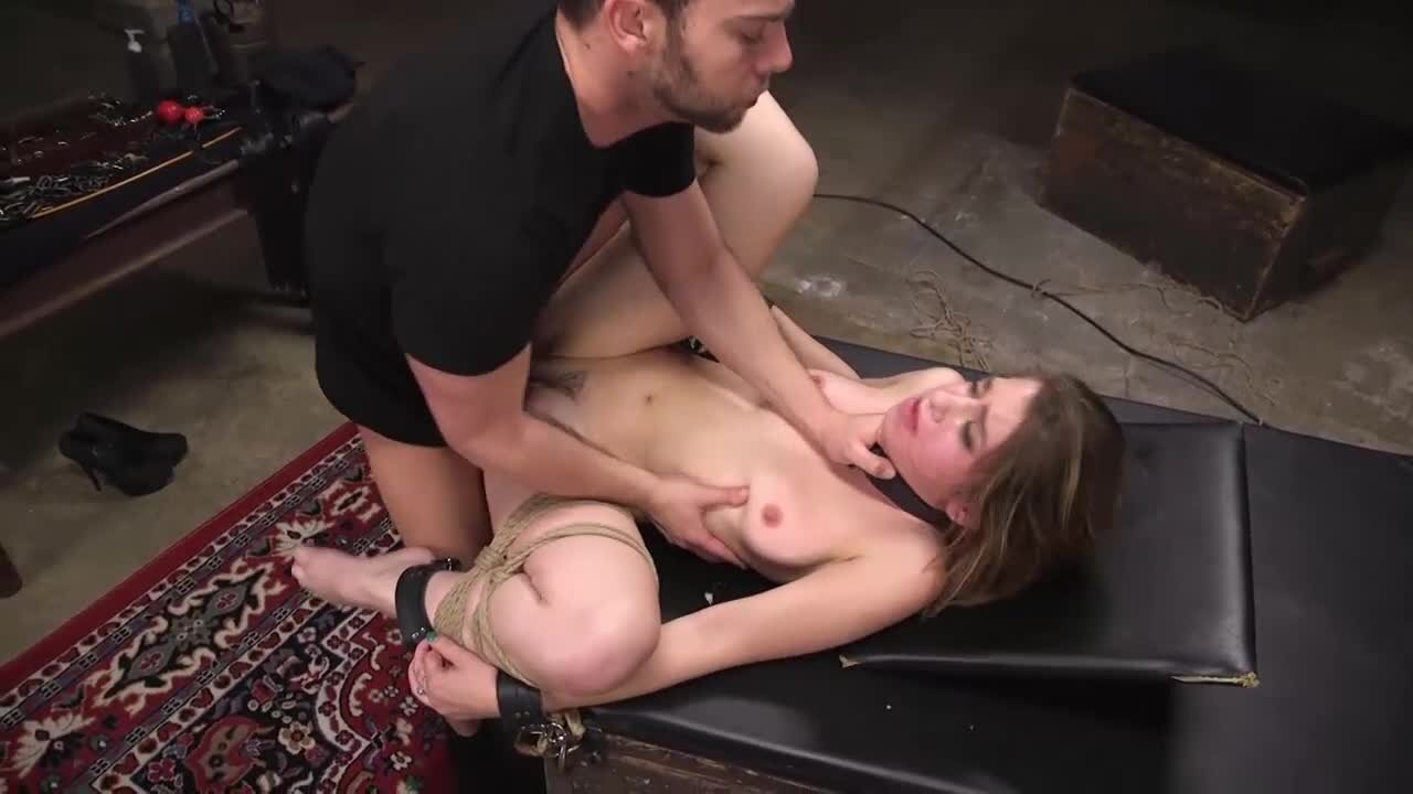 Knebel Sex
