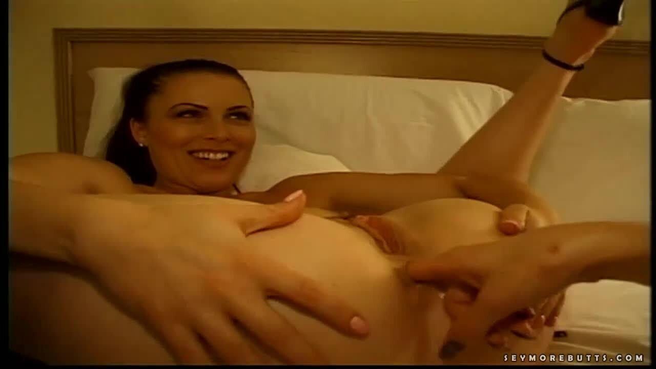 Solo Female Clit Rubbing