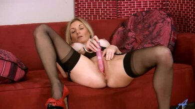 Blondine In Sexy Dessous